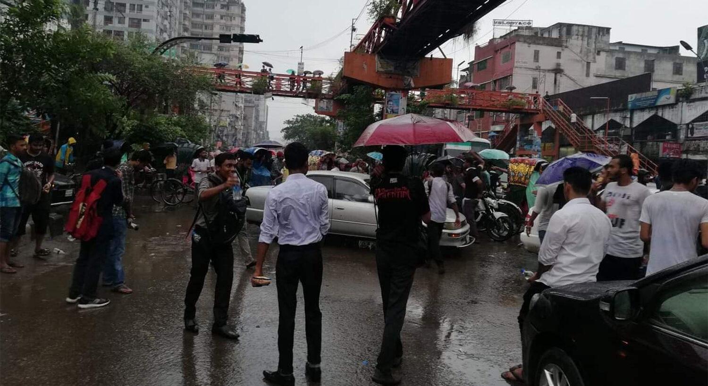 Broken Traffic System in Dhaka
